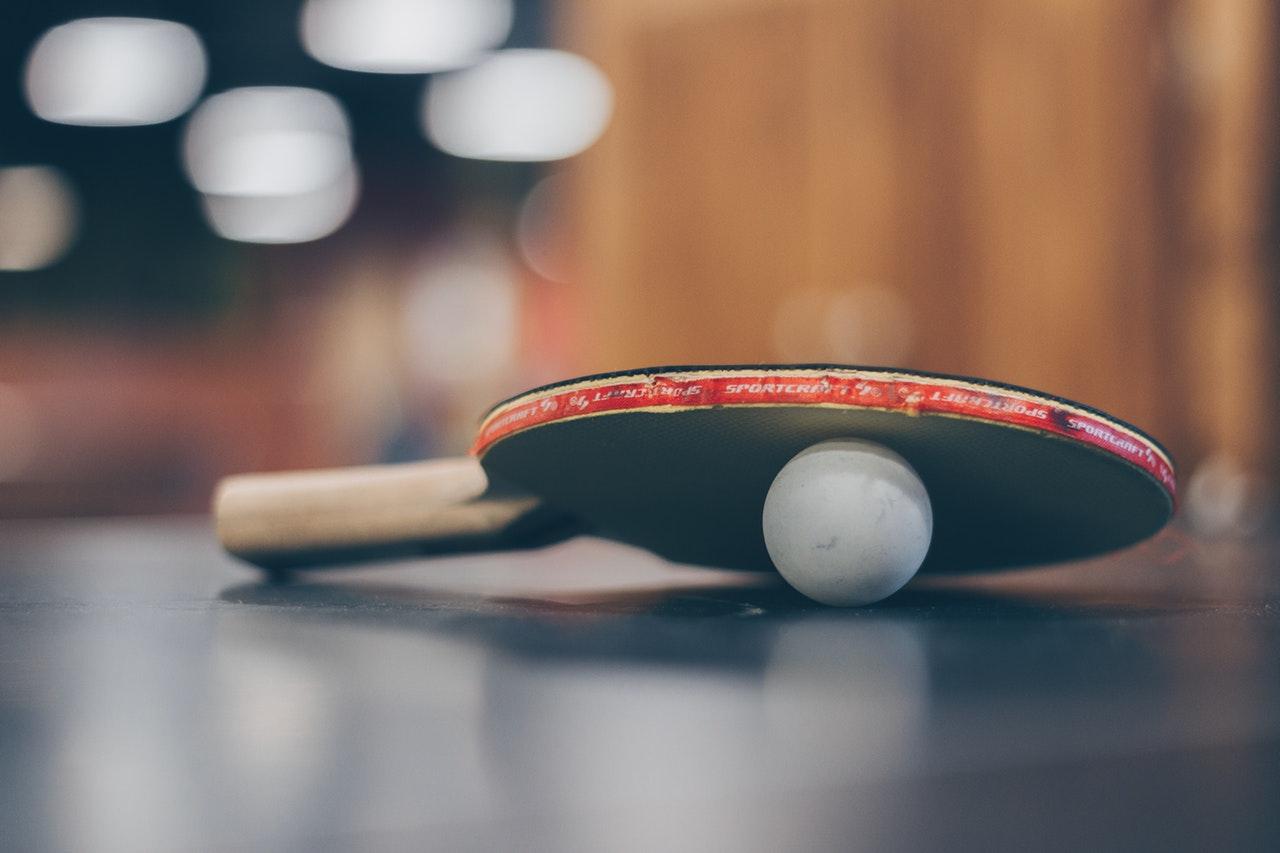 zawodnikowi tenisa stołowego puściły nerwy
